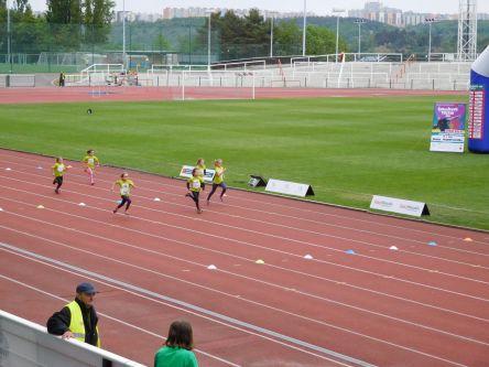 ...velmi pěkně běžela i Kristýnka...